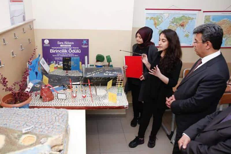 Küçükçekmece Belediye Başkanımız Temel KARADENİZin okulumuza ziyareti