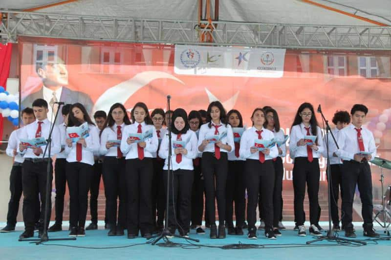 19 Mayıs Atatürkü Anma Gençlik ve Spor Bayramı İlçe töreni okulumuzda coşkuyla kutlanmıştır.