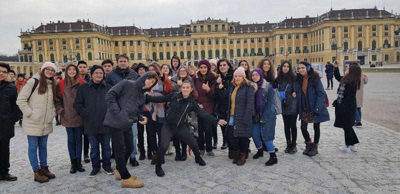 Öğrencilerimiz ile birlikte gerçekleştirdiğimiz Orta Avrupa Kültür Gezimiz oldukça keyifli geçti.