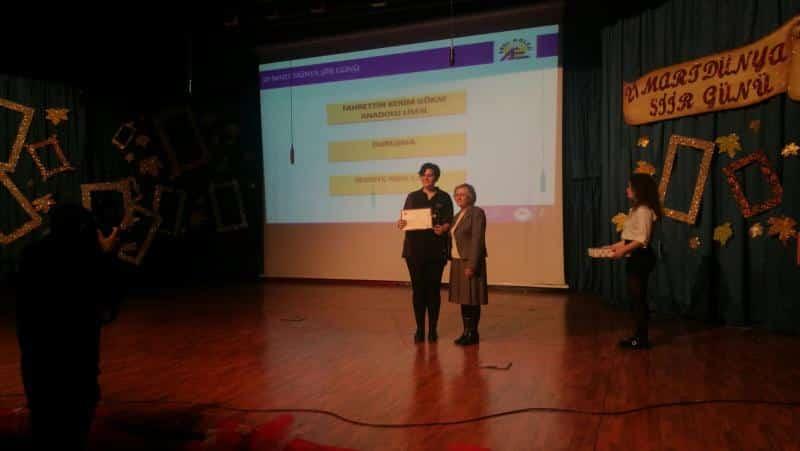 Arel Eğitim Kurumlarının her yıl 21 Mart Dünya Şiir Günü vesilesiyle düzenlediği Şiir Yazma Yarışmasında Öğrencimiz Sevdiye Nida ÇAKIR Duruşma adlı şiiriyle 1.olmuştur.