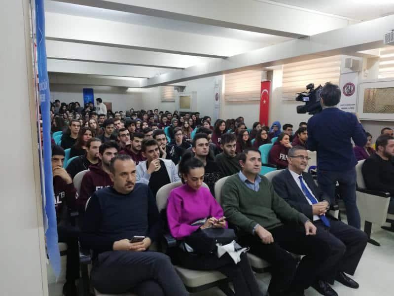 Milli Futbolcumuz Nihat KAHVECİ,ünlü sunucu Yasin DALLI ile okulumuz öğrencilerini buluşturduk.