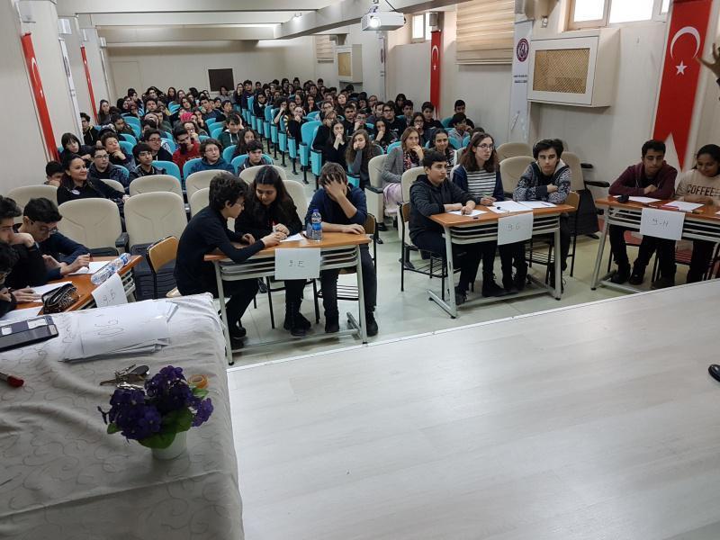 Okulumuzda düzenlenen sınıflar arası bilgi yarışmasında 9.sınıflar arasından 9-A şubesi, 10.sınıflar arasında 10-A sınıfı Birinci olmuştur. Öğrencilerimizi başarılarından dolayı tebrik ederiz.
