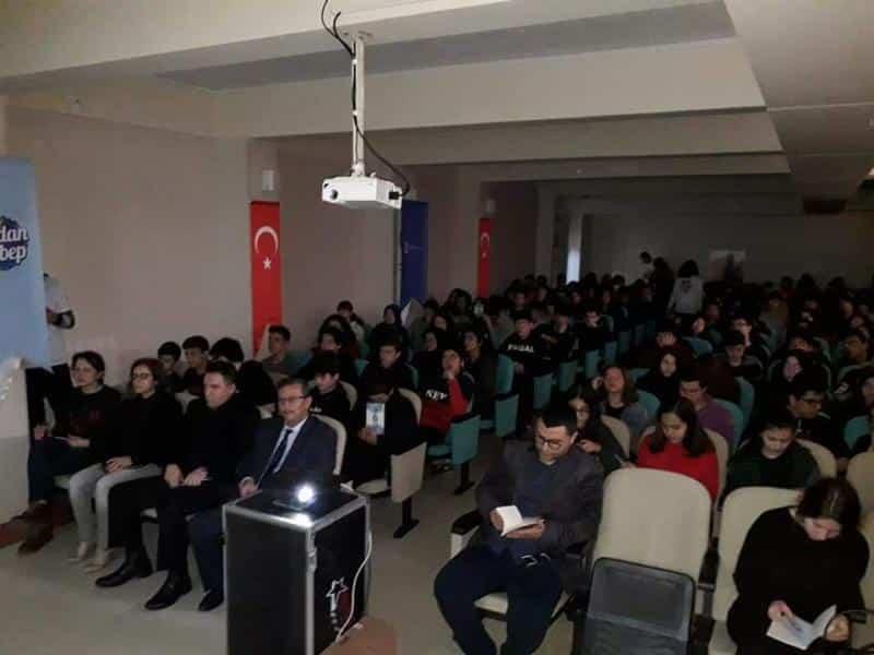 İstanbul Büyükşehir Belediyesi İSKİ tarafından okulumuz öğrencilerine Sular Boşa Akmasın Geleceğimiz Kurumasın konulu seminer ve tiyatro gösterisi sunuldu.