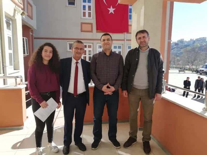 Bir daha dönmemek için gidenleri,tarihin yazdığı en gerçek, en şerefli kahramanlarımızı Gazi Mustafa Kemal Atatürk ve Silah Arkadaşlarını yad ettik. Mekanları Cennet olsun..